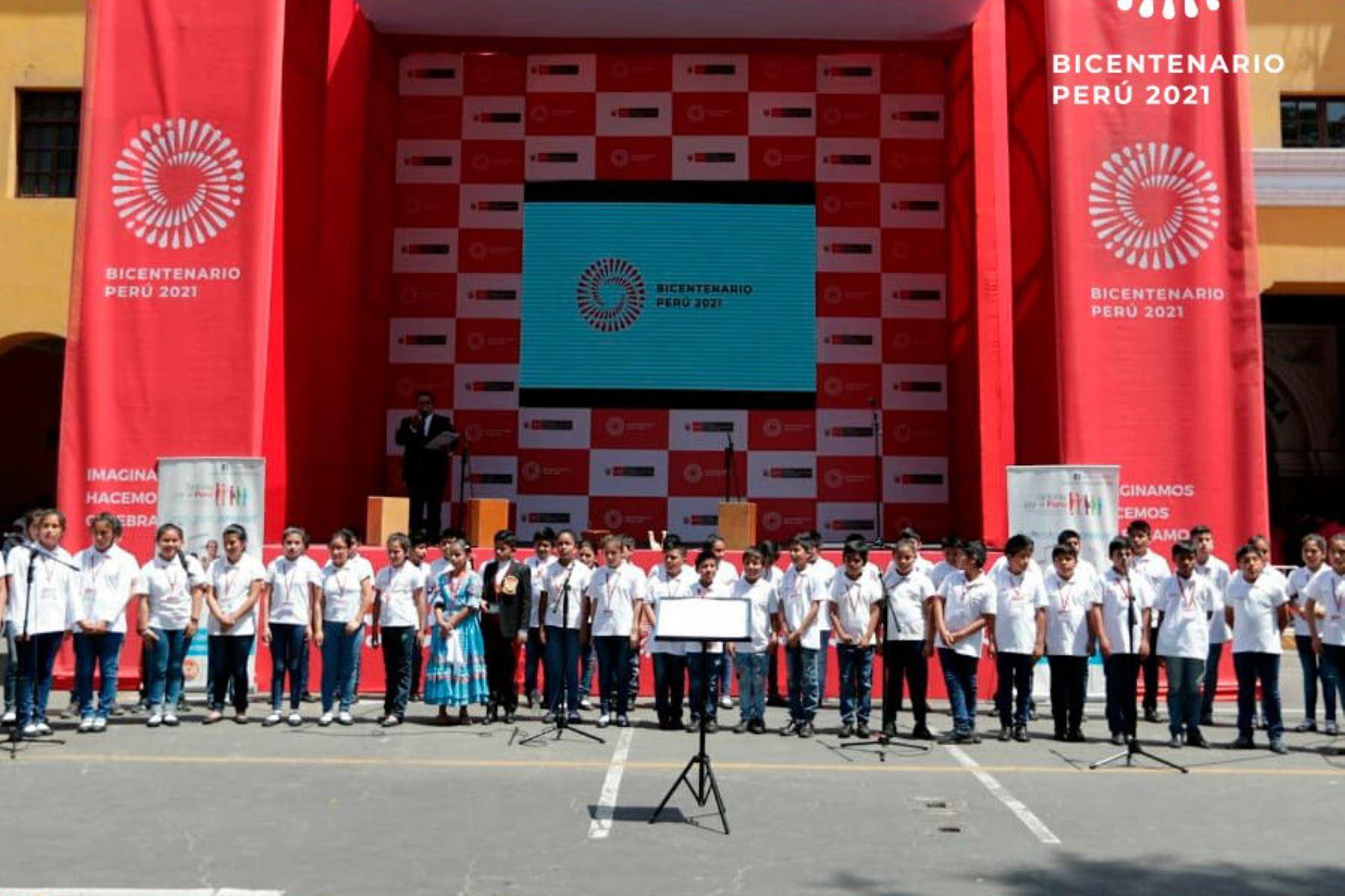 Ica vive ambiente festivo por lanzamiento de la Agenda Bicentenario.