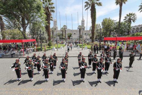 Se inicia ceremonia de lanzamiento de la Agenda Bicentenario en la ciudad de Arequipa.