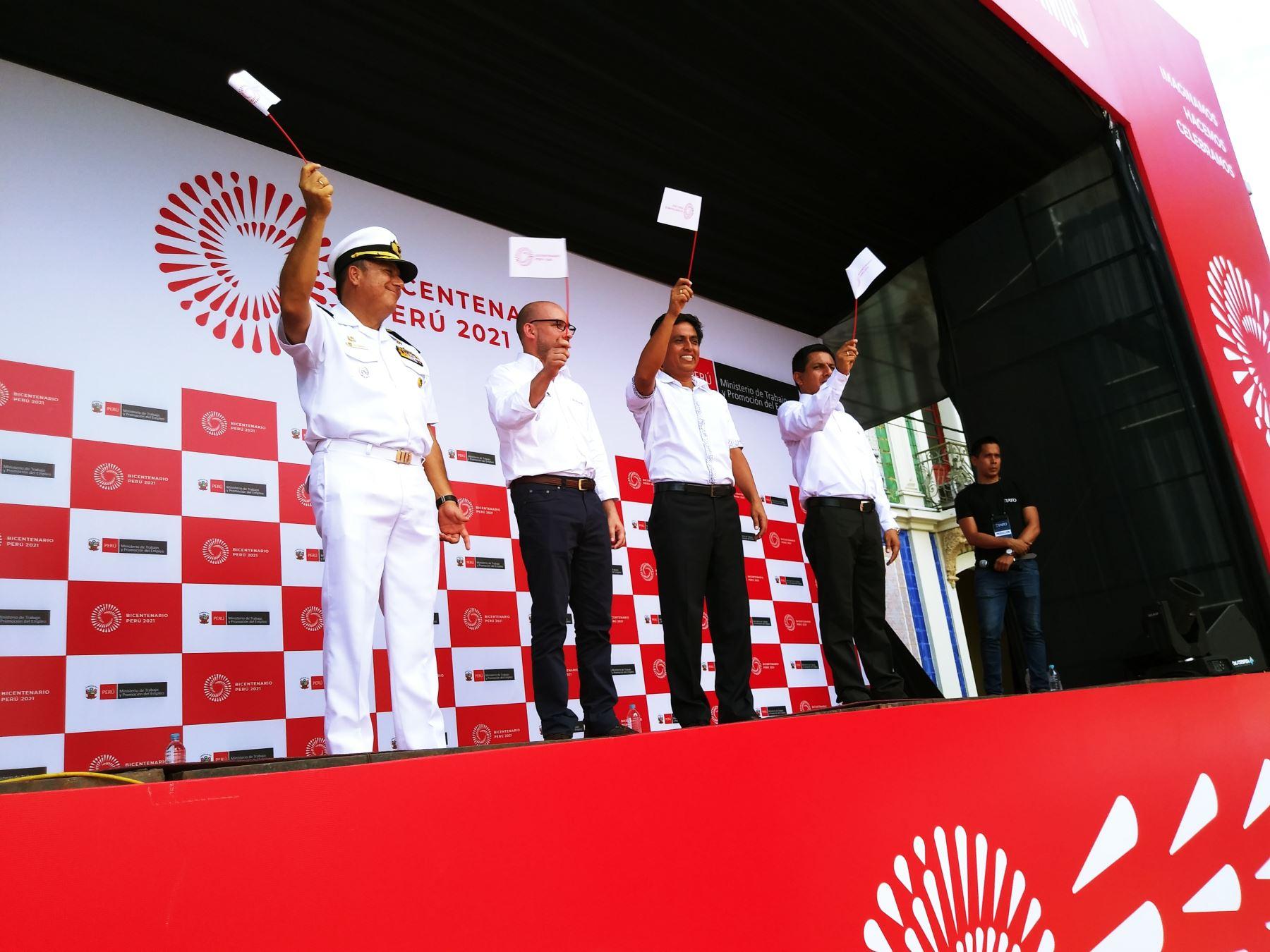 Bicentenario en Iquitos: ministro de Sánchez destaca objetivo de trabajo digno para todos. Foto: Luis Zuta Dávila.