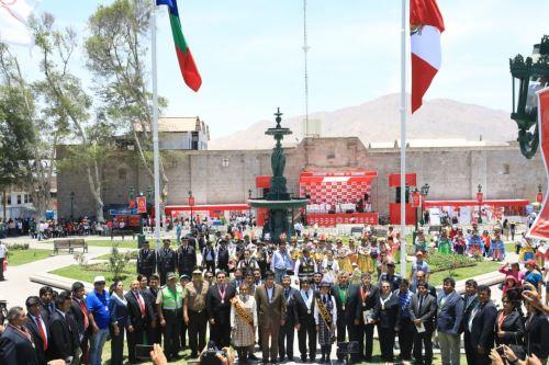 El ministro de Justicia y Derechos Humanos, Vicente Zeballos, encabezó los actos por el lanzamiento de la Agenda Bicentenario en la ciudad de Moquegua.