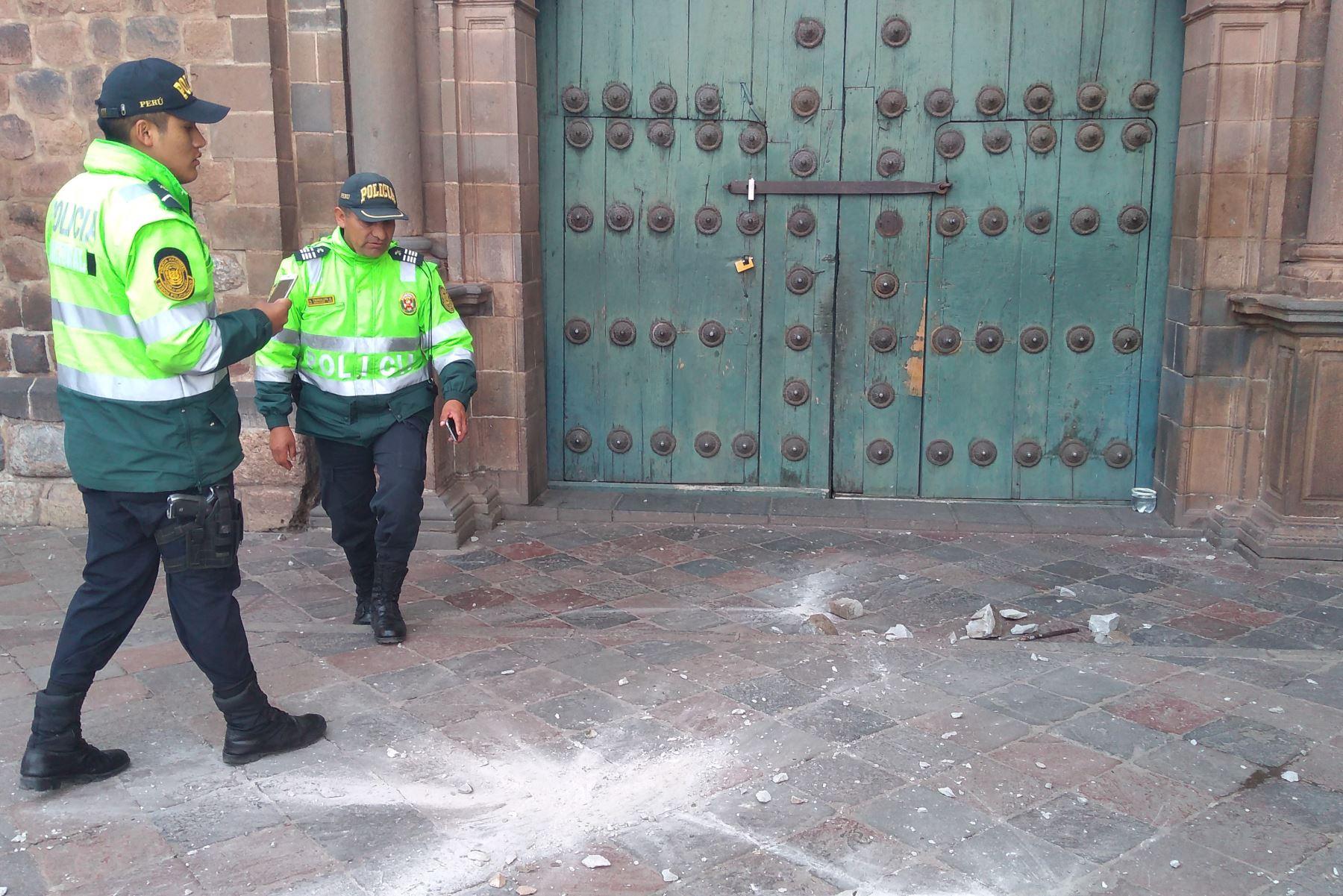 Sismo de magnitud 4 en Cusco provocó la caída de al menos cuatro pináculos (elemento constructivo de la parte más alta de una edificación) del templo barroco La Compañía de Jesús.