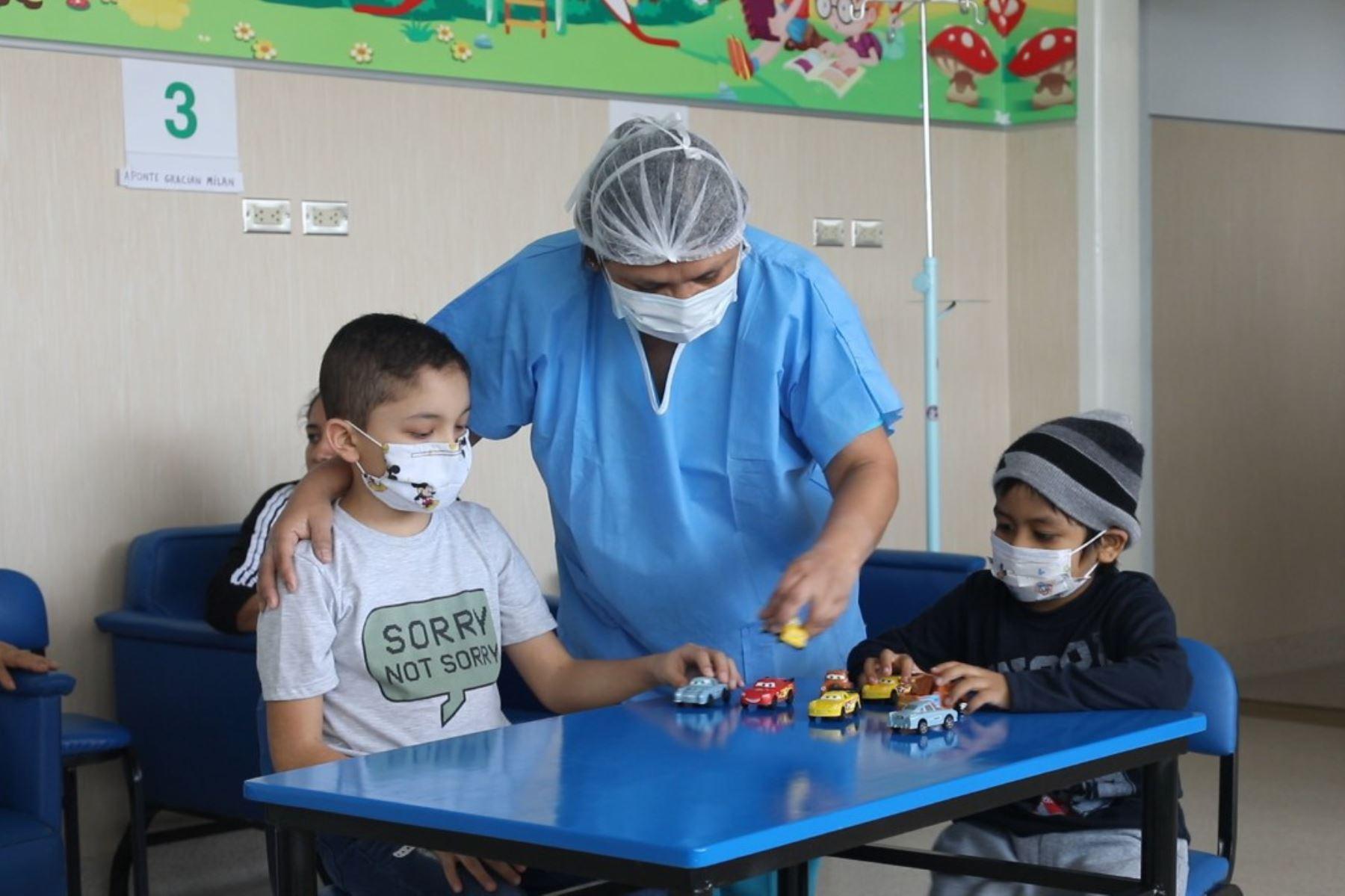 Mejoran ambientes en tres hospitales de Essalud en beneficio de niños con cáncer. Foto: Andina/Difusión