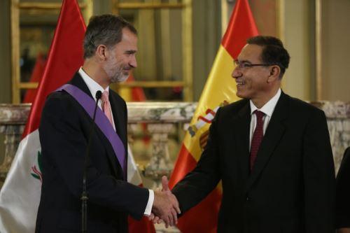 El presidente Vizcarra condecora a Felipe VI con la Orden al Mérito por Servicios Distinguidos en el Grado de Gran Cruz Especial