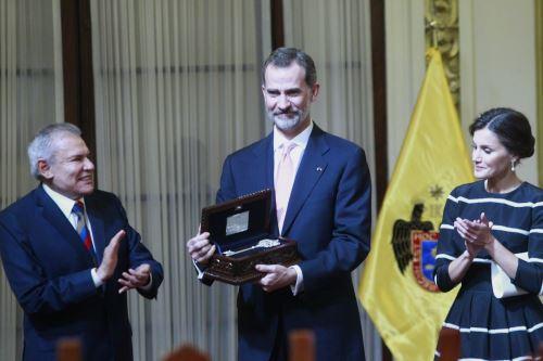 Alcalde de Lima, Luis Castañeda, rinde homenaje a los reyes de España don Felipe VI y doña Letizia