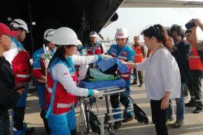 La ministra Silvia Pessah recibió en el Grupo Aéreo N° 8 a los dos menores de edad que resultaron heridos de gravedad producto del accidente vehicular en Chachapoyas.