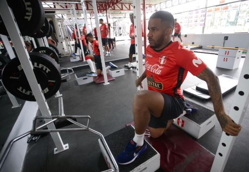 La selección peruana continúa su entrenamiento en la Videna