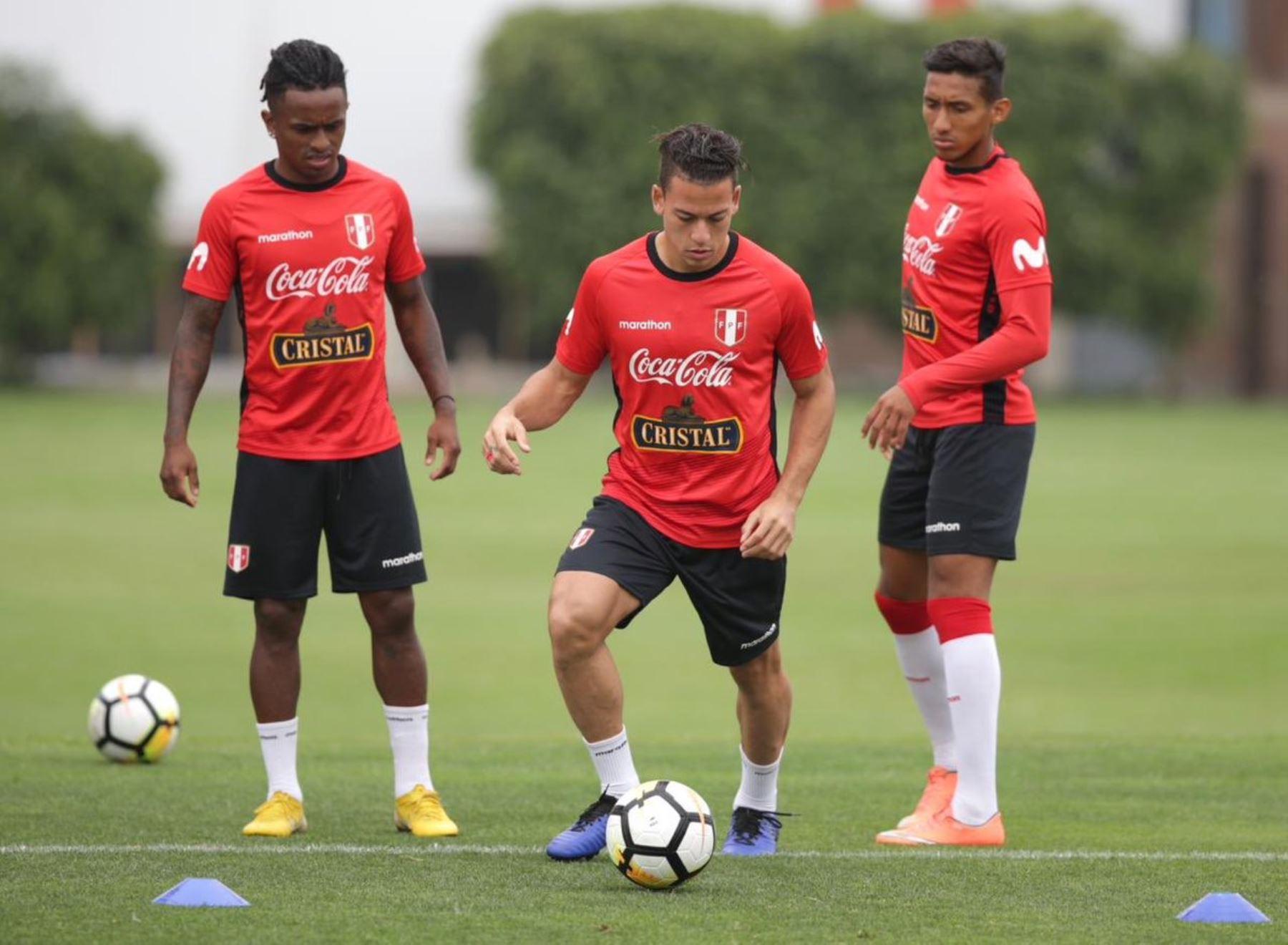 Jugadores de la  selección peruana entrena en la Videna. Foto:ANDINA/FPF