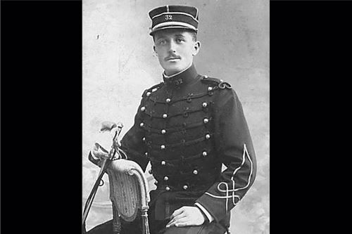 Homenaje en Pasco al teniente francés François Aubry, que murió en la Primera Guerra Mundial