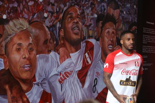 Presentan mural en homenaje a la clasificación al Mundial Rusia 2018