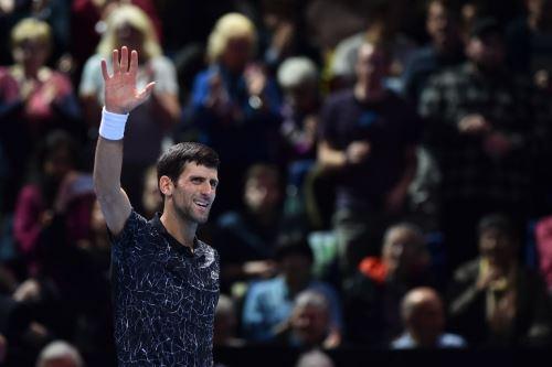 Djokovic avanza firme en el Masters