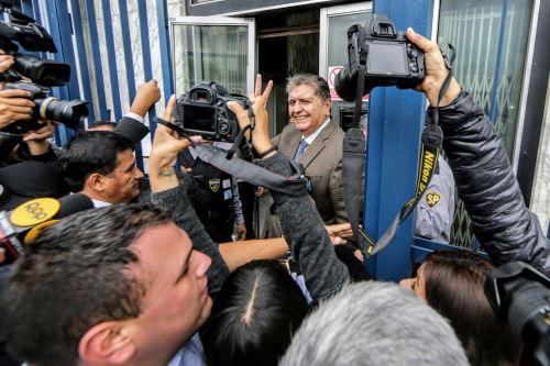 Alan García ingresa a la Fiscalía