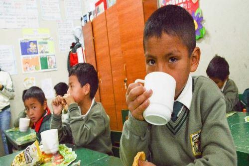 El Ministerio de Desarrollo Social e Inclusión Social (Midis) logró reducir las cifras de anemia en niños y niñas menores de 36 meses, usuarios de Cuna Más a nivel nacional, de 59.1% en el 2017 a 50.3% en el 2018, dio a conocer la ministra del sector Liliana La Rosa.