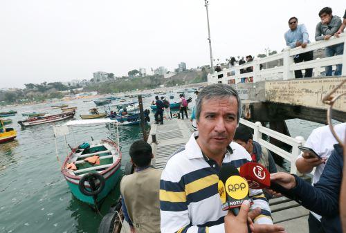 El ministro de la Producción, Raúl Pérez Reyes, y el viceministro de Pesca y Acuicultura