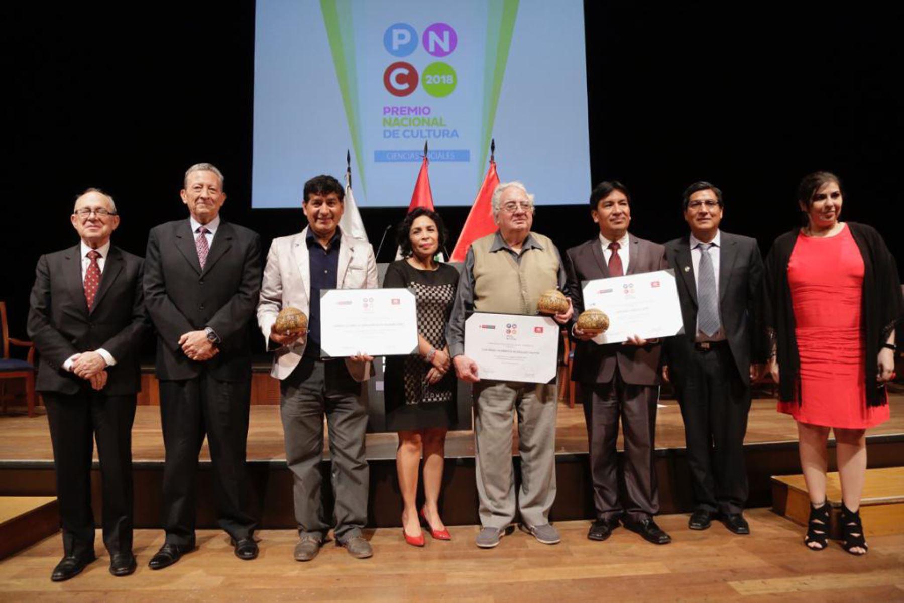 20/11/2018   Ministra Balbuena entrega Premio Nacional de Cultura a personas y organizaciones que contribuyen al desarrollo cultural del país Foto: ANDINA/Ministerio de Cultura