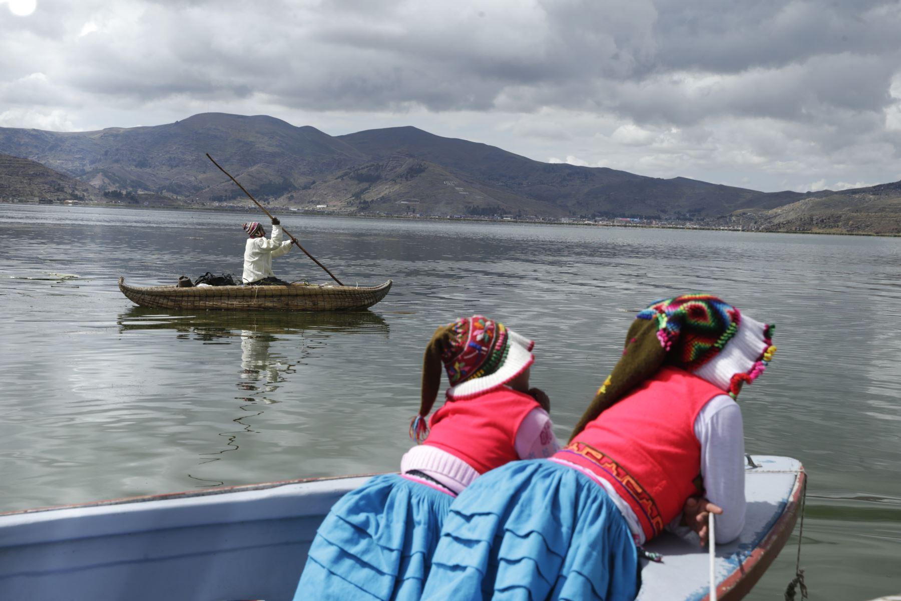 El Minam remarcó la necesidad de iniciar el proceso de recuperación ambiental del lago Titicaca, mediante el uso adecuado de tecnologías descontaminantes. Foto: ANDINA/Melina Mejía