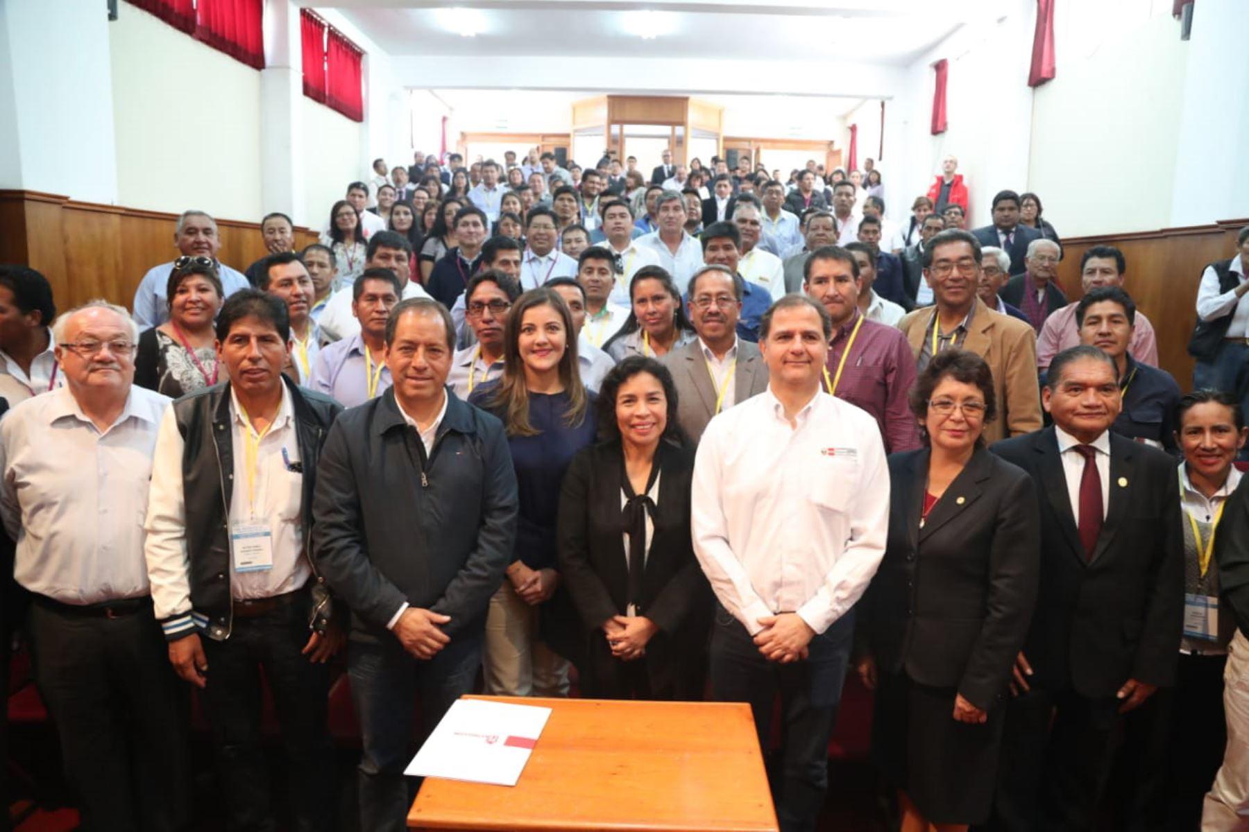 Ministra de Cultura, Patricia Balbuena demanda mayor compromiso a autoridades electas con miras a los objetivos del Bicentenario. ANDINA/Difusión