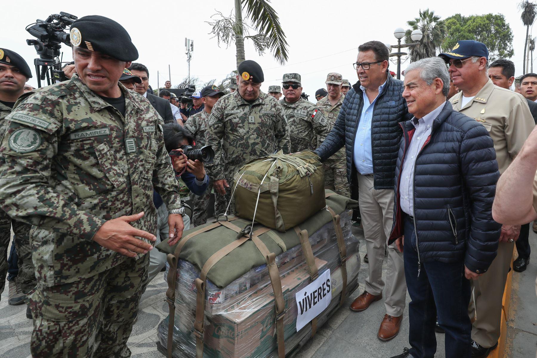 José Huerta Torres, Ministro de defensa participa en ejercicio Olas de Esperanza. Foto: ANDINA/Difusión