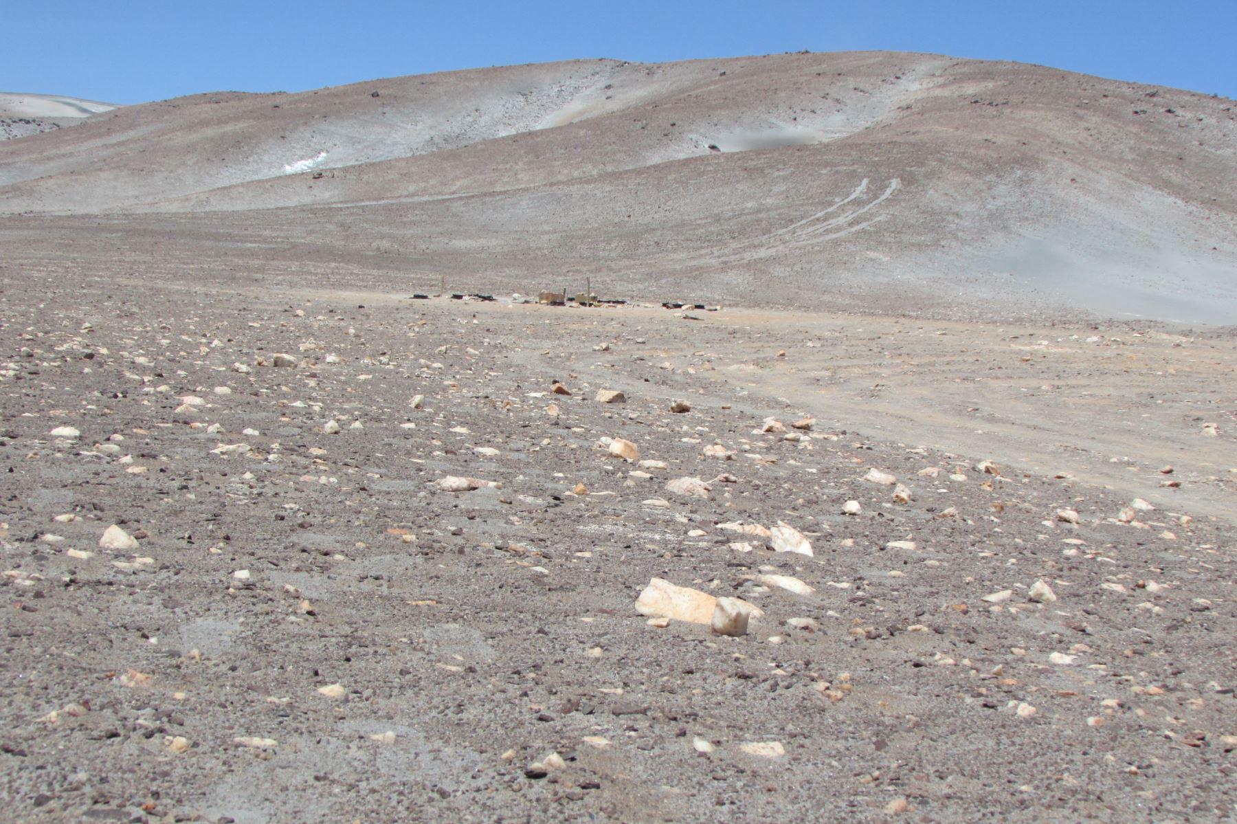Diez estudios se desarrollaron en el desierto arequipeño de La Joya, que tiene grandes similitudes geoquímicas y geofísicas.