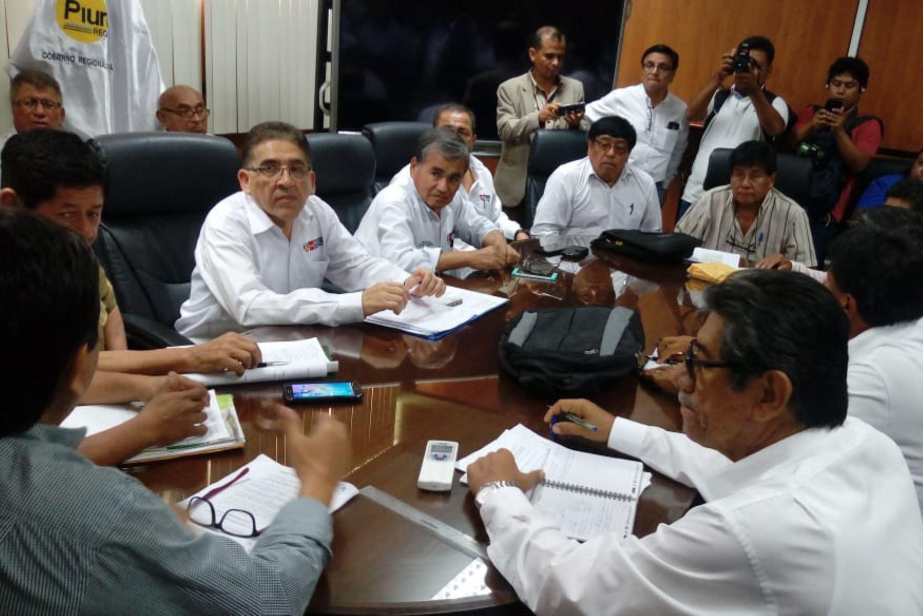 El viceministro de Políticas Agrarias, William Arteaga, encabezó instalación de mesa de diálogo con los productores de mango del valle piurano de San Lorenzo.