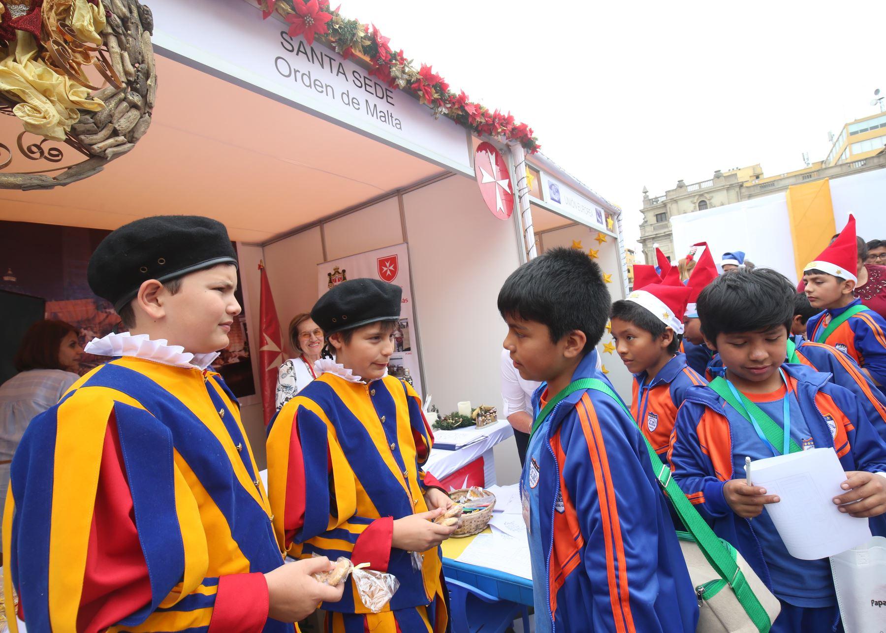 """Feria """"Mundo de Ilusiones"""" se lleva a cabo en Palacio de Gobierno."""
