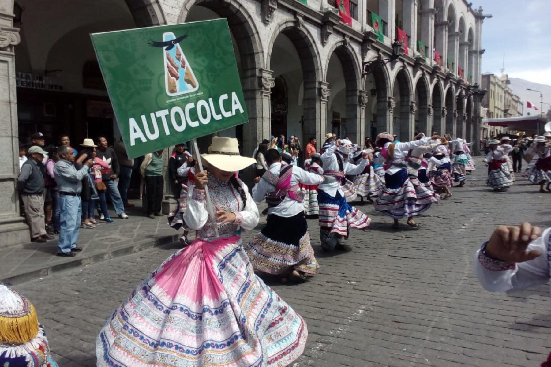 La plaza de armas de Arequipa fue escenario hoy de los festejos por el tercer aniversario de la declaratoria de la danza del wititi como Patrimonio Cultural Inmaterial de la Humanidad por la Unesco.