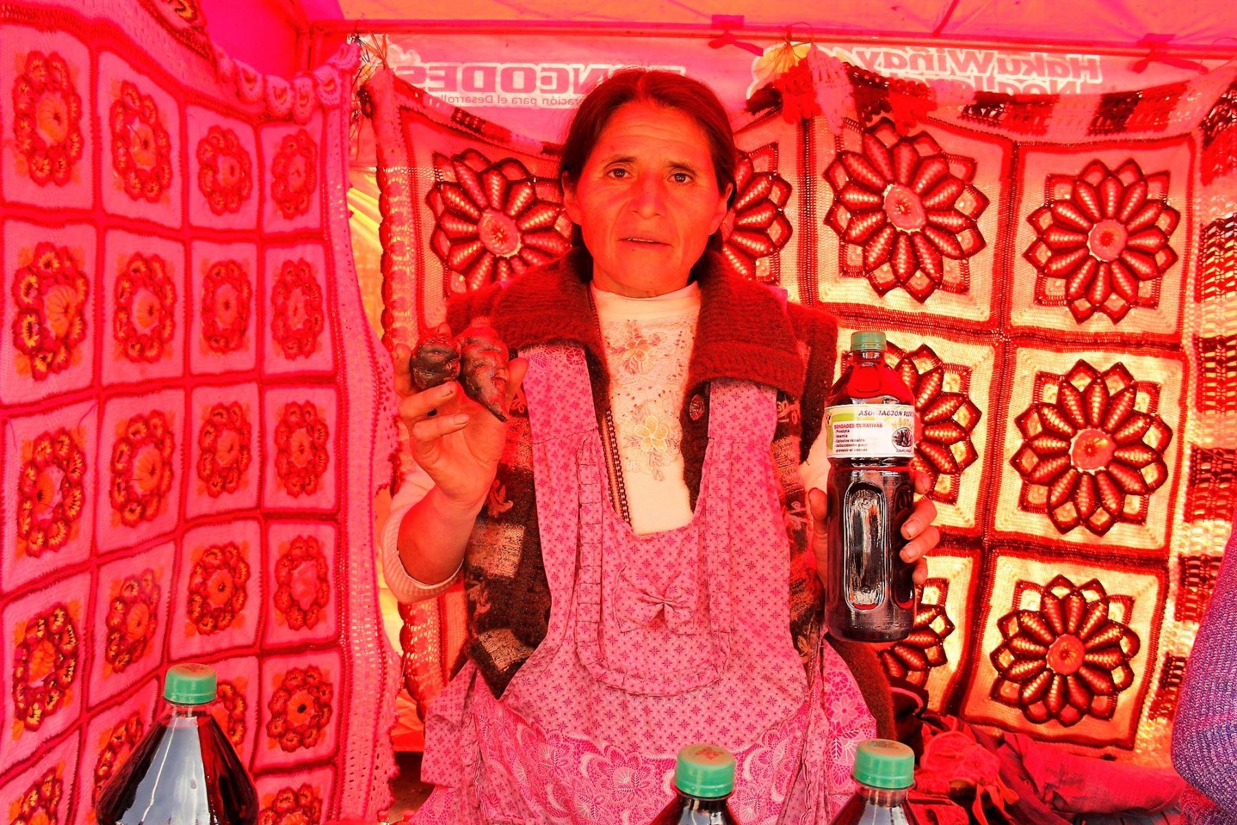 Productores de Puno innovan con néctar de izaño para prevenir la anemia y otras enfermedades. ANDINA