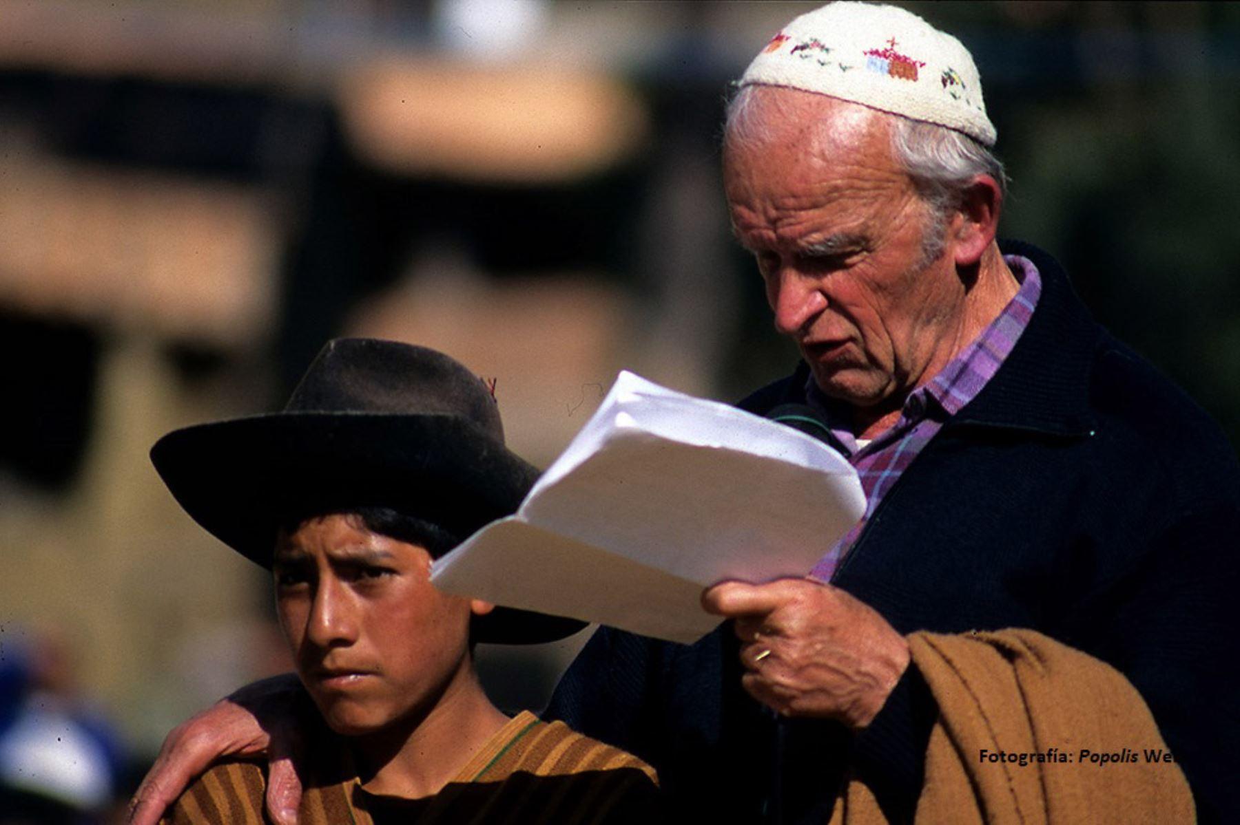 Lamentan muerte del sacerdote italiano Ugo de Censi. Foto: Cortesía: Popolis Web: https://www.popolis.it
