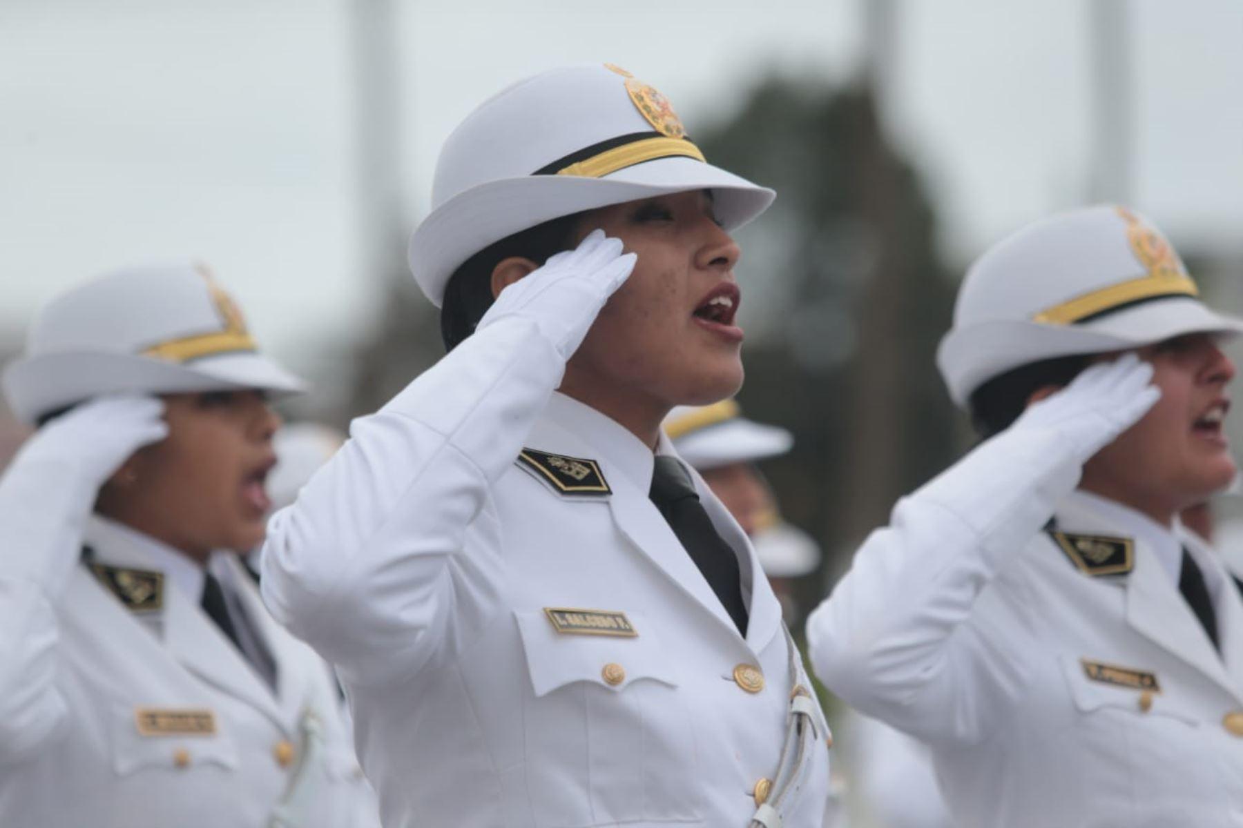 Presidente de la República, Martín Vizcarra, asiste a la ceremonia por el XXX Aniversario de la Policía Nacional del Perú, para reafirmar el rol fundamental que cumplen en nuestra sociedad y agradecer por su labor de entrega y disciplina.Foto: ANDINA/Prensa Presidencia