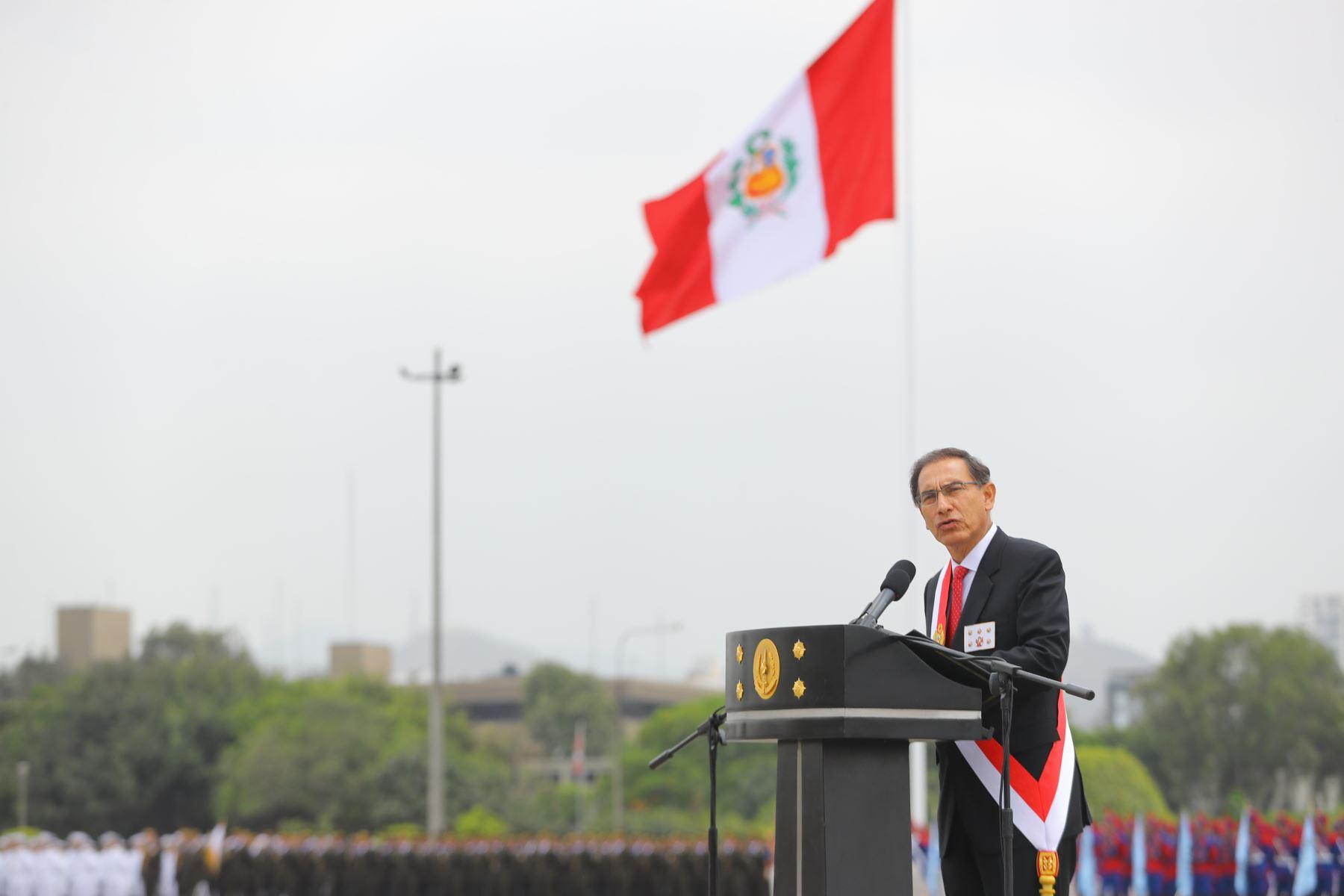 El presidente de la República, Martín Vizcarra, participa en la ceremonia central por el día del Ejército del Perú y el 194° aniversario de la batalla de Ayacucho.Foto: ANDINA/Andrés Valle/Prensa Presidencia