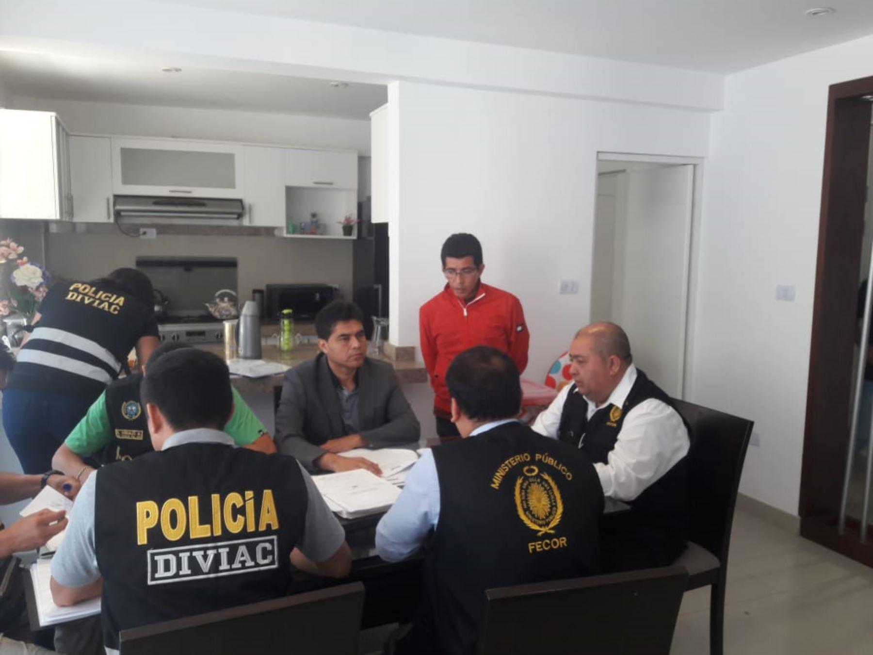 Detienen en Chiclayo a José Isla Montaño, abogado de Edwin Oviedo. Foto: ANDINA/@monvalpa