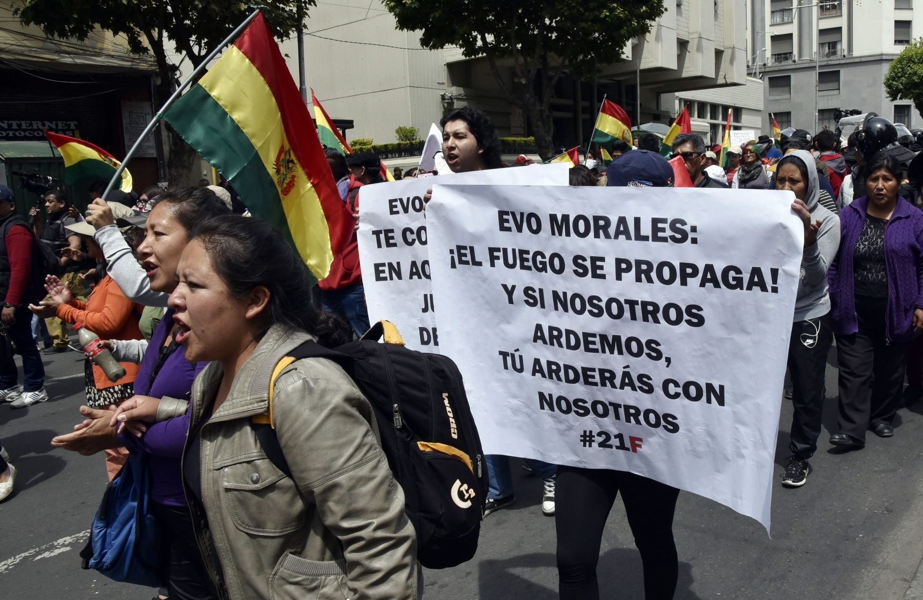 Gente protesta contra la reelección del presidente boliviano Evo Morales Foto: AFP
