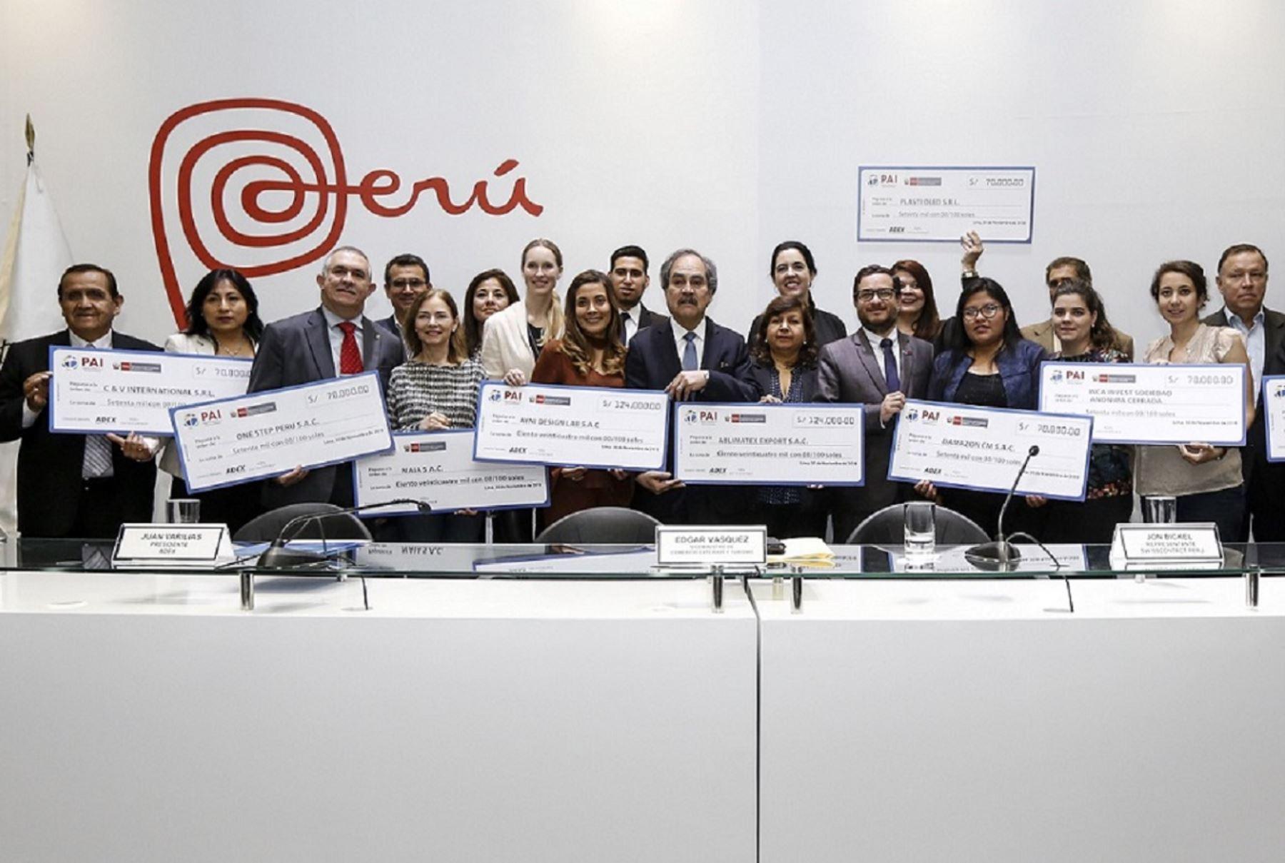Ganadores del apoyo financiero para la internacionalización de sus mipymes. Foto: Cortesía.