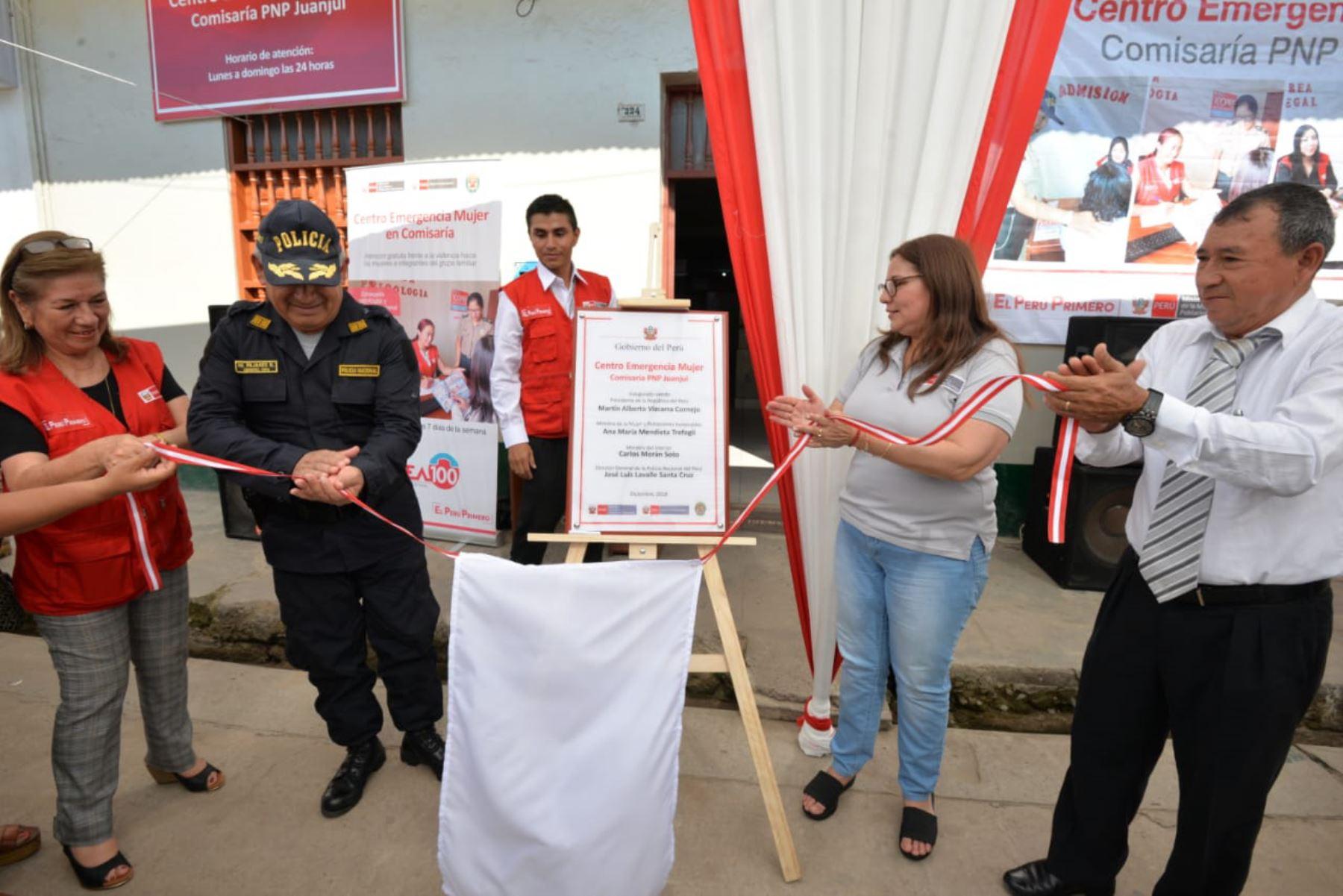 La ministra de la Mujer y Poblaciones Vulnerables, Ana María Mendieta, inauguró hoy un Centro de Emergencia Mujer (CEM) en la comisaría de Janjuí