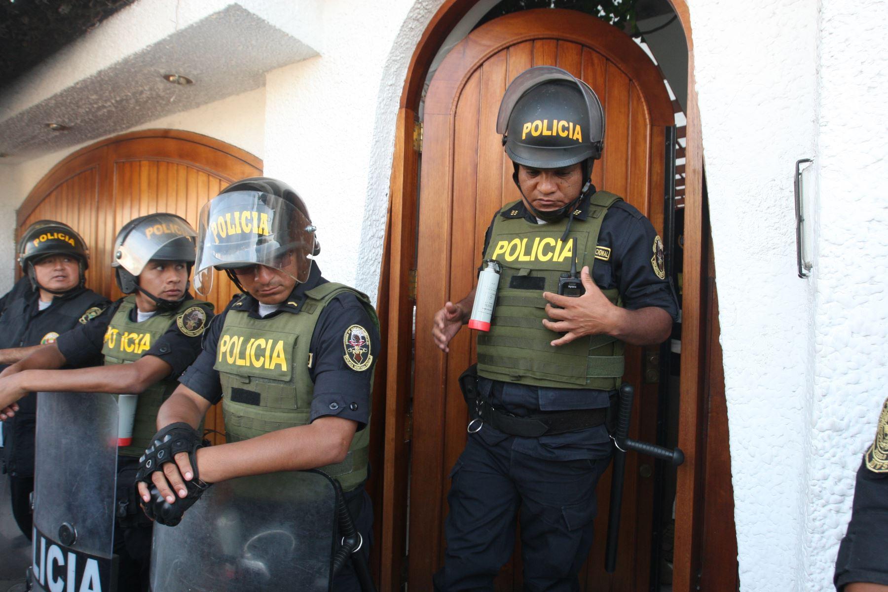 Presidente de la Federacion peruana de futbol,Edwin Oviedo, llega a los juzgados anticorrupcion en el cercado de Lima.Foto:ANDINA/Héctor Vinces.