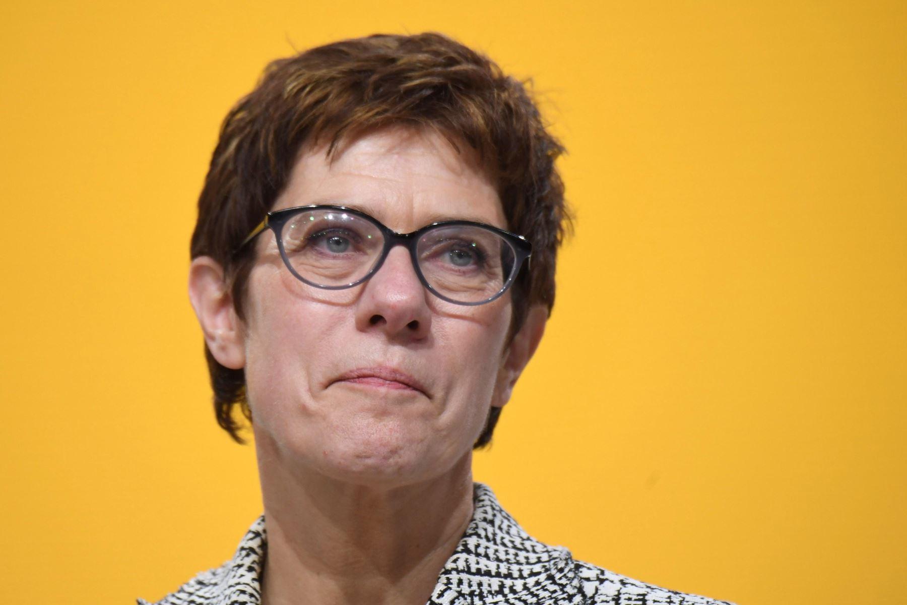 Annegret Kramp-Karrenbauer reacciona tras ser elegida como nueva presidenta del partido Unión Cristianodemócrata alemana (CDU) Foto: EFE
