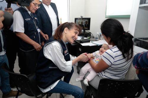 """Ministra de Salud inauguró el establecimiento """"Héroes del Cenepa"""" en Villa El Salvador"""