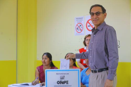 Votación del presidente Vizcarra en el Referéndum Nacional 2018, en Moquegua