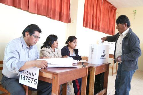 La primera mesa de sufragio se instaló a las 4:15 horas en Moquegua.Foto:  ANDINA/Difusión