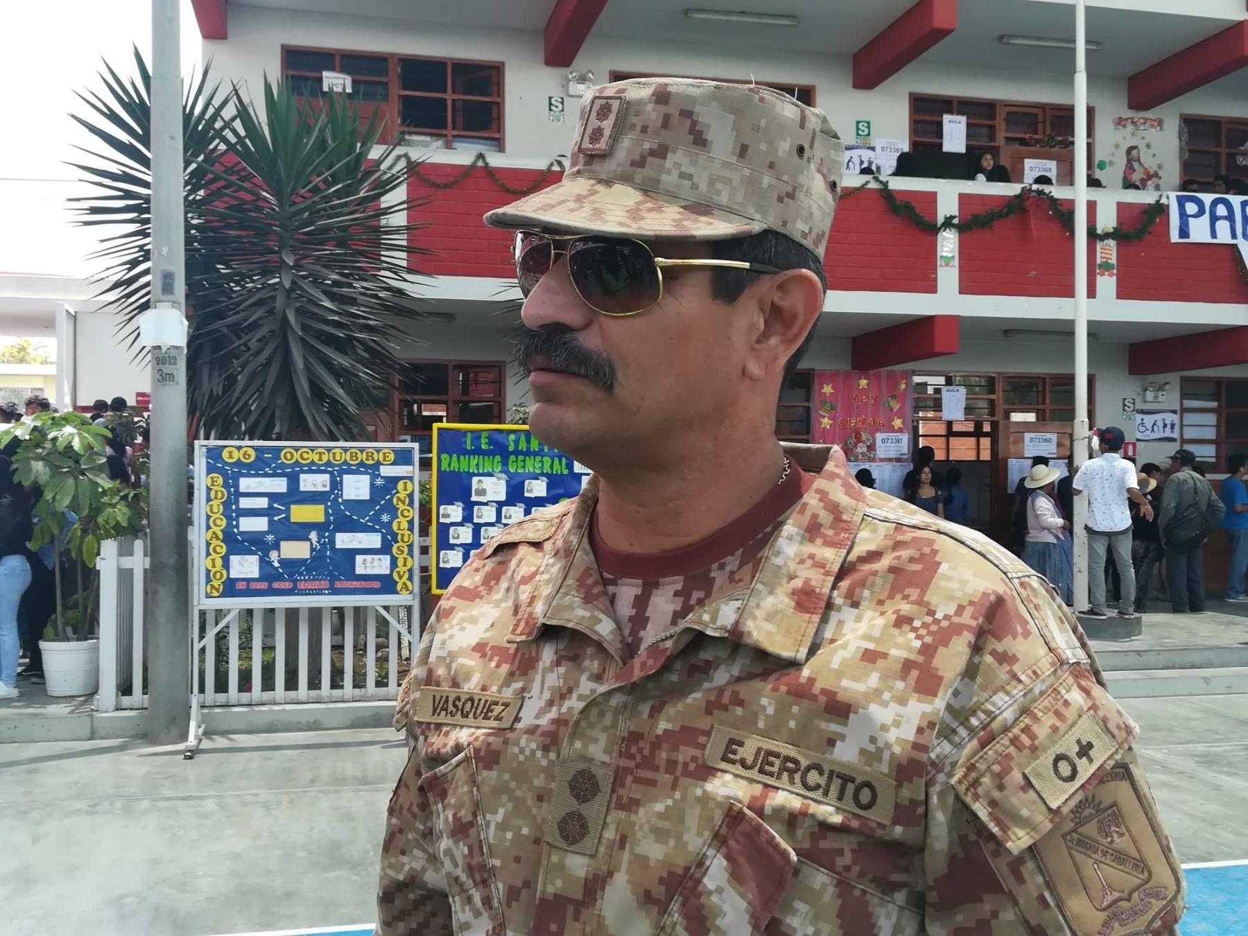 General brigada EP Marco Antonio Vásquez Patiño explica el desarrollo del proceso electoral en Tacna, donde el apoyo del Ejército Peruano es medular.