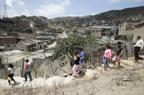 Referéndum 2018: pobladores de la zona sur de la capital ejercen su voto