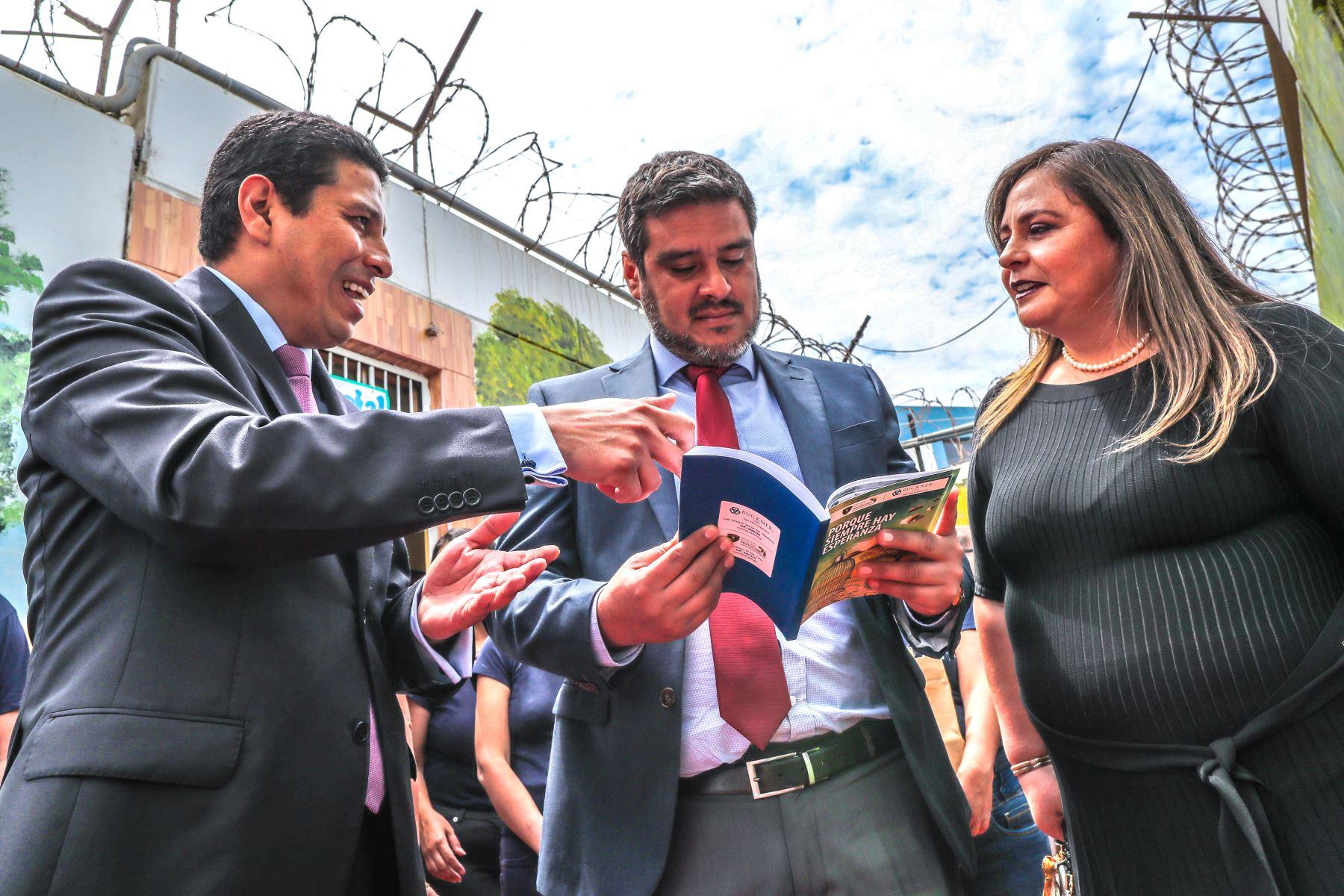 Un libro con 31 historias de internos que reflejan sus vivencias en reclusión, fue presentado por el Instituto Nacional Penitenciario (INPE), y Buckner Perú en el penal del Callao. Foto: ANDINA/INPE