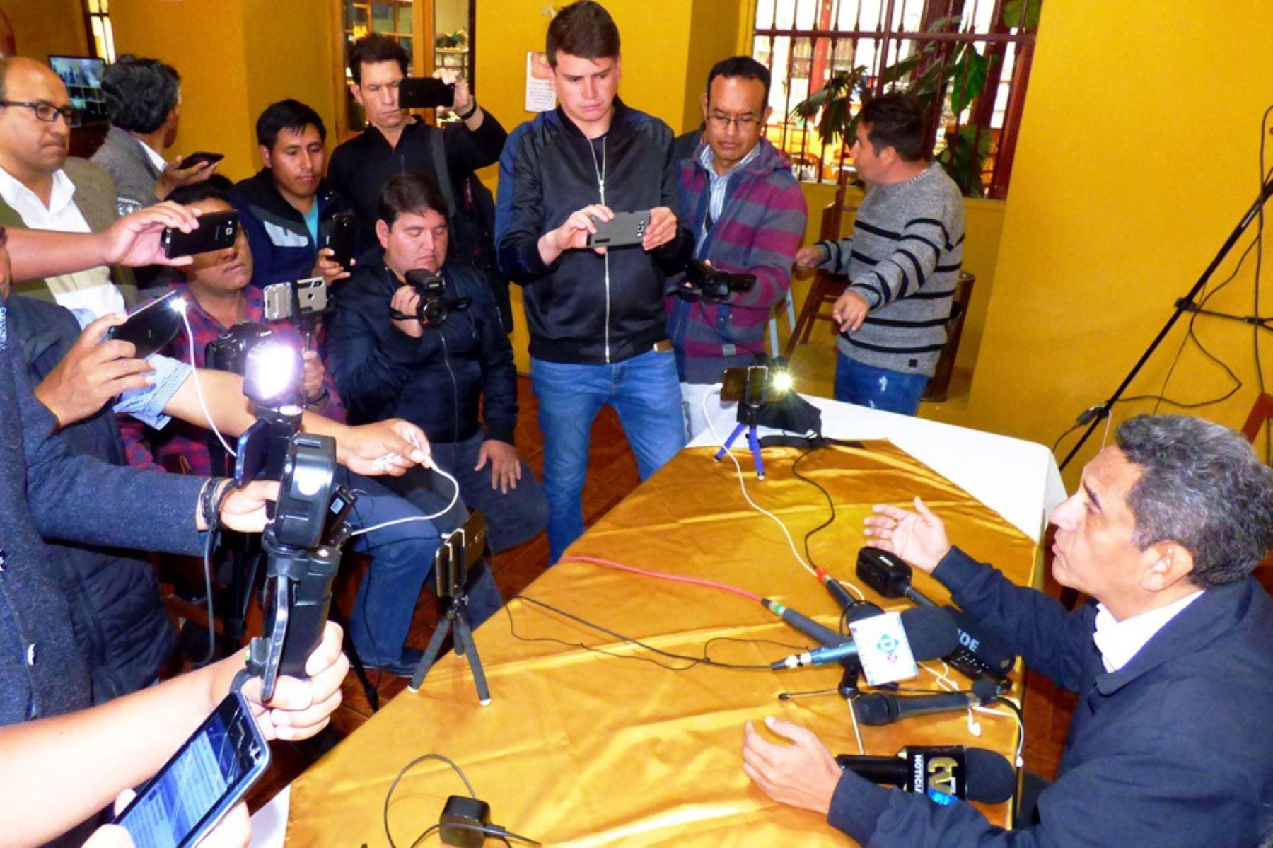 El virtual gobernador de Cajamarca, Mesías Guevara Amasifuén, ofreció declaraciones desde su natal Jaén.