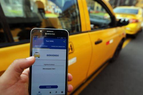 Lanzan aplicativo móvil que informa sobre choferes y vehículos autorizados para taxi