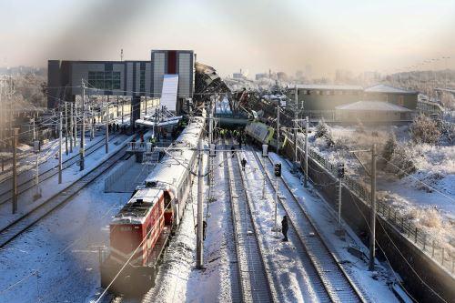 Al menos nueve muertos y 47 heridos en un accidente de un tren de alta velocidad en Turquía