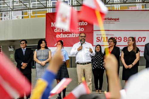 Inauguración simultanea de seis colegios a nivel nacional
