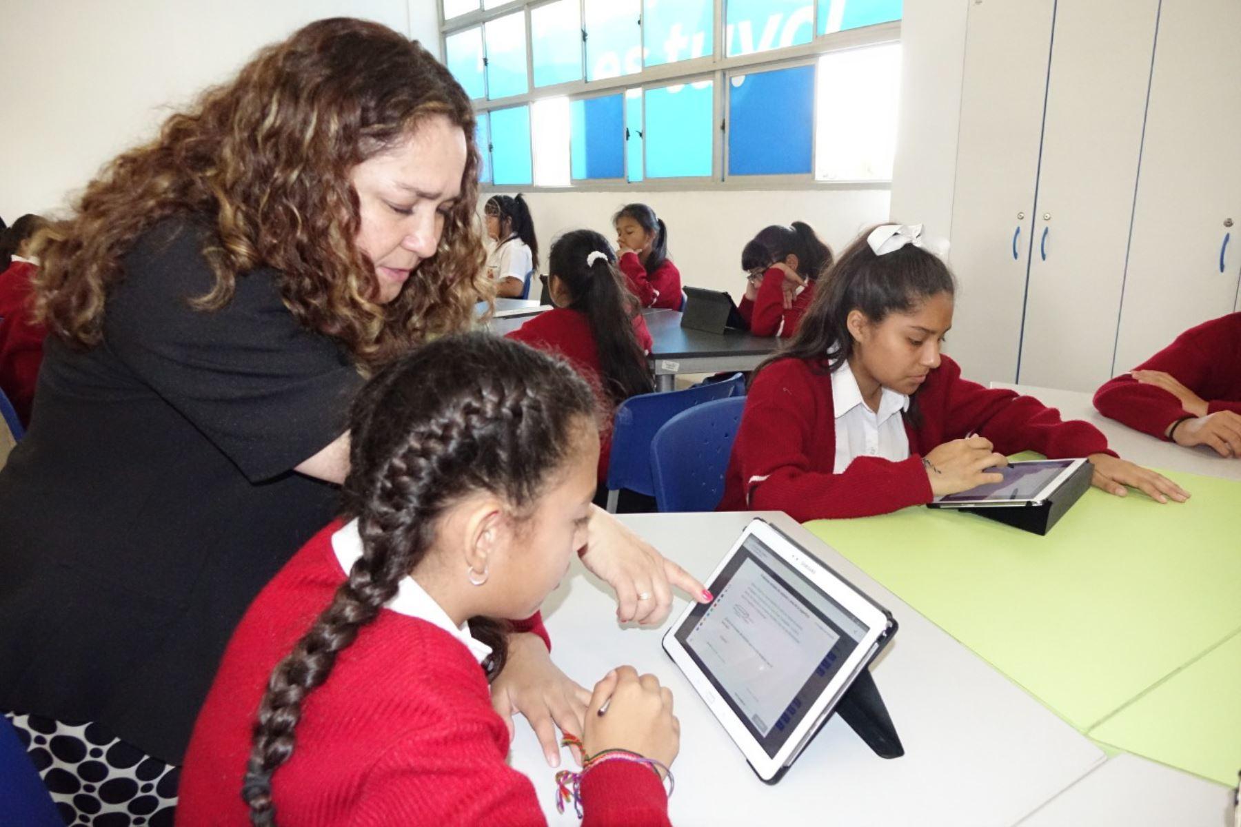 Escolares de colegios públicos aprenden con más facilidad con Khan Academy. Foto: ANDINA/Difusión