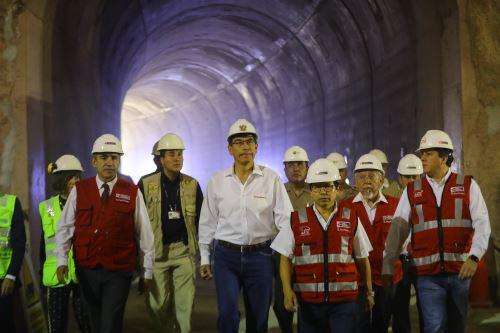 Presidente Vizcarra anuncia adelanto de culminación de Línea 2 del Metro de Lima para el año 2024