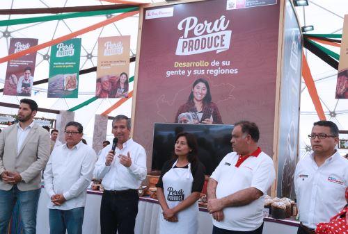 """Ministro Raúl Pérez-Reyes clausuró la primera edición del Domo """"Perú Produce"""" en San Miguel"""