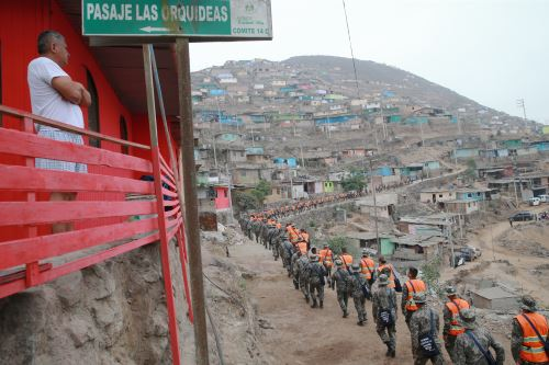 Soldados del Ejército inician guerra contra la anemia en Villa María del Triunfo