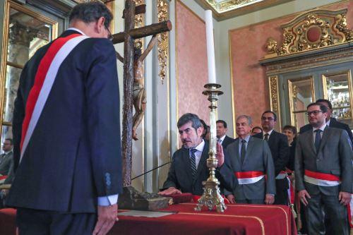 Presidente Vizcarra toma juramento a los nuevos ministros en las carteras de Trabajo, Comercio Exterior y Cultura